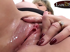Close up reviling with naughty mature Lady Sonia