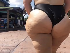 Super Cheeky Pawg Arse