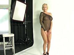 Deutsche Milf Dirty Tina vernascht BBC beim Foto Crucial
