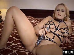 Sexy Milf with big tits loves amulet gear for her dildo play