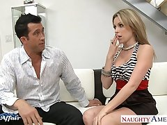 Plump neighbor Courtney Cummz gender