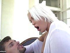 Cecilia Scott enjoys deep asshole penetration