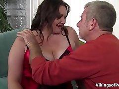 Big Beautiful Woman Slut gets her big fat ass some hard spanking