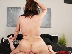 PORNSTARPLATINUM MILF Alix Lovell Sucks Cock Before Banging