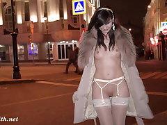 Naked New Zealand urban area tour with Jeny Smith