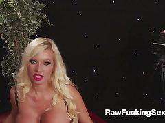 Raw Fucking Sex - Prexy Mega MILF Michelle Thorne Gets A Har