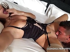 Clea Gaultier gungy pussy and fast squirt