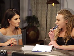 Lesbea Proximate Tina takes French vocalized lesson with lesbian cram